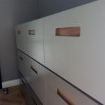 Modernes Sidebord in Grau mit Eiche